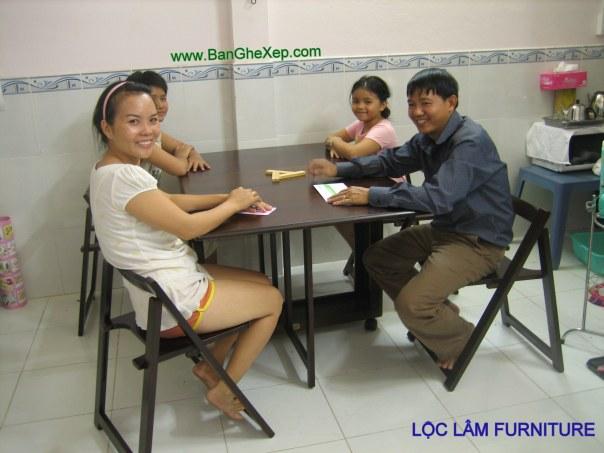 Bộ Bàn Ăn Gấp Xếp Tokyo Chự Nhật Lộc Lâm Furniture có thể ngồi được sáu đến tám người.