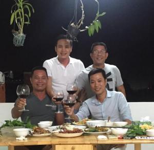 Bộ Ban 2gHe61 Xer61p Gấp Lộc Lâm furniture tại nhà giám đốc Dàn Giáo Vĩnh Lợi và Giày ATTOM